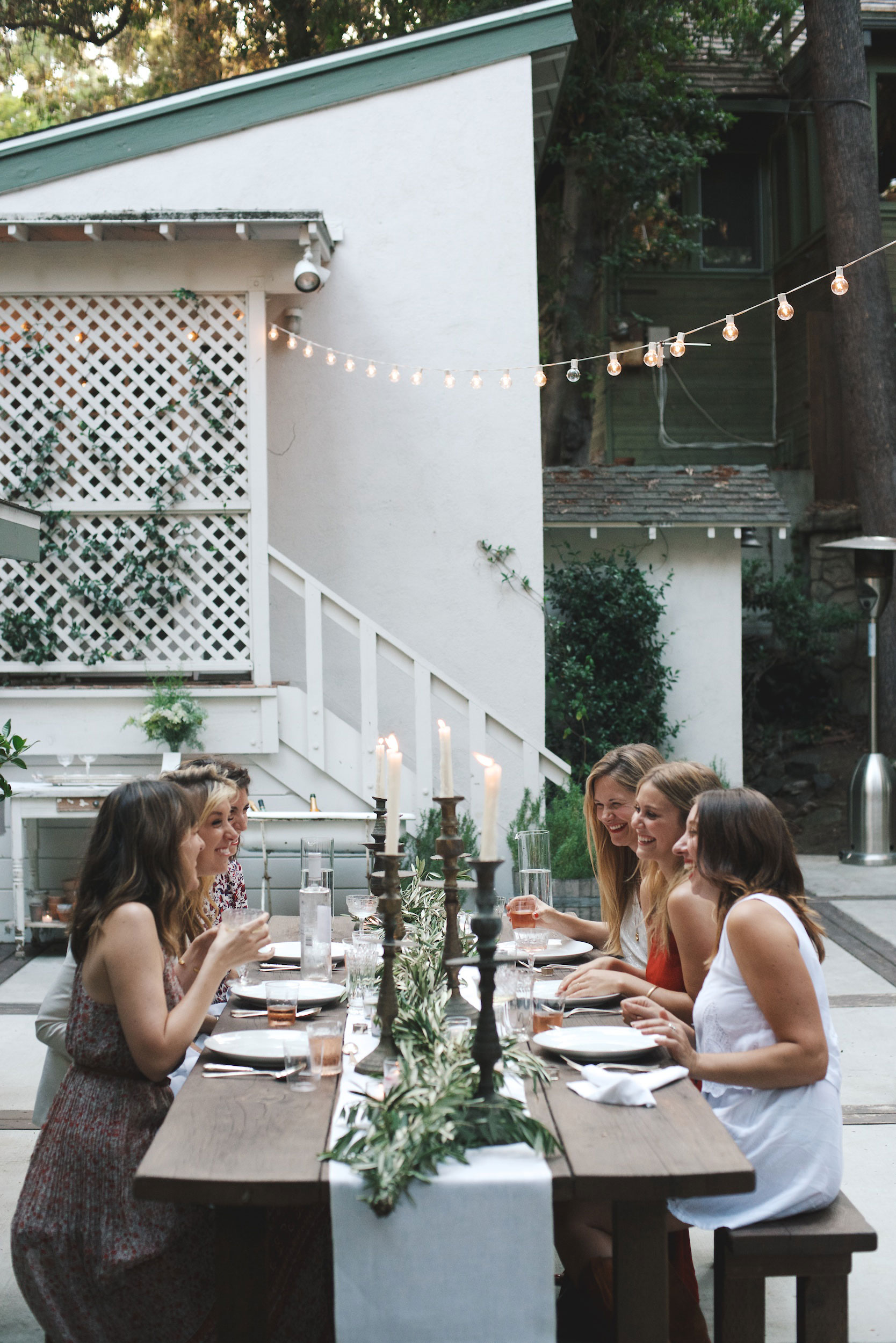 Summer Entertaining: Bucatini & Clams with Annie Campbell