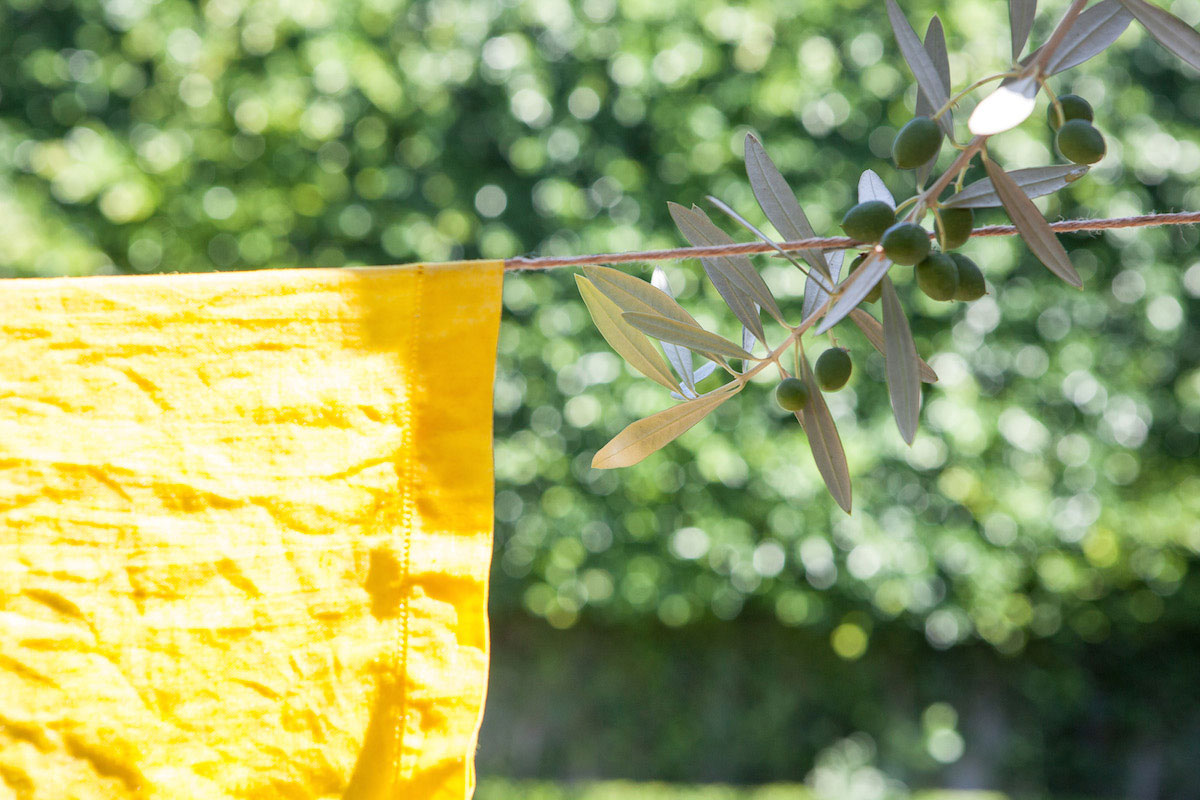DIY: Dyeing with Turmeric 0