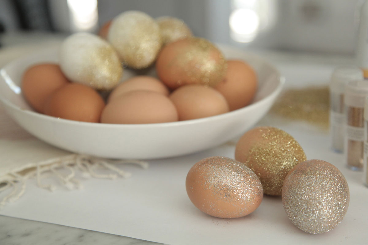 DIY: Glitter Easter Eggs 3