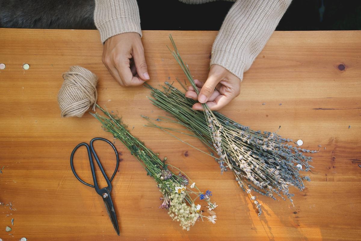 DIY: Lavender Smudge Bundles 3