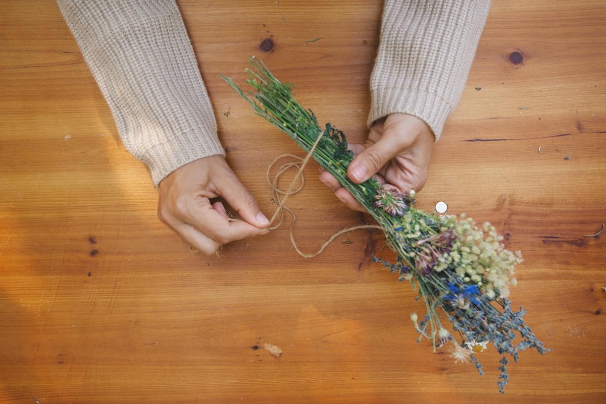 DIY: Lavender Smudge Bundles 4