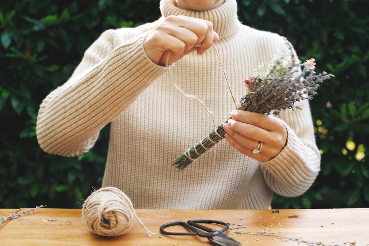 DIY: Lavender Smudge Bundles 5