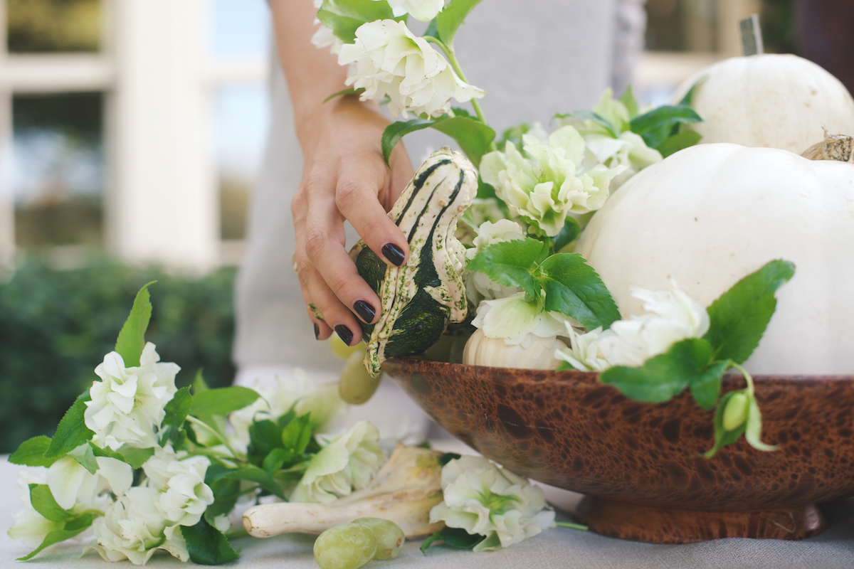 Floral Arrangements with Blume & Plume: A White & Green Autumnal Display 6