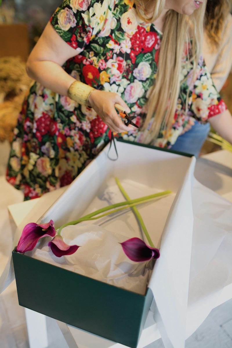 Floral Arrangements with Lily Lodge: Calla Lilies In A Box