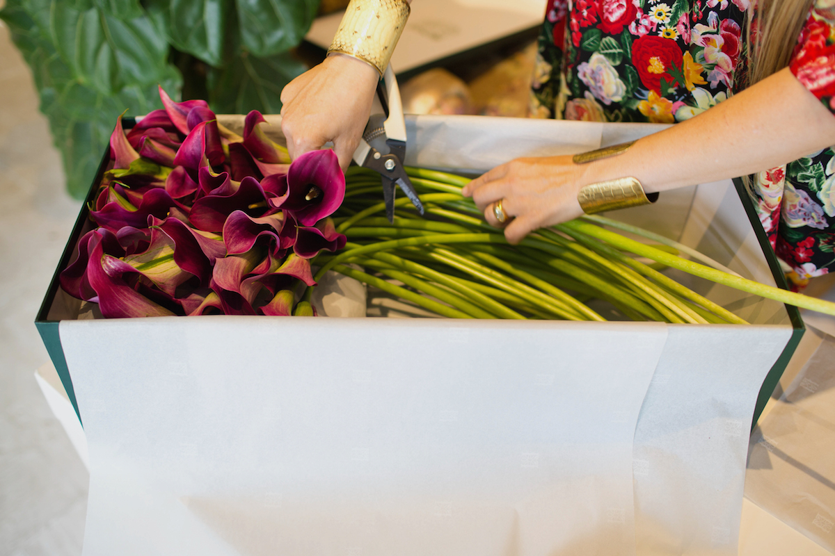 Floral Arrangements with Lily Lodge: Calla Lilies In A Box 3