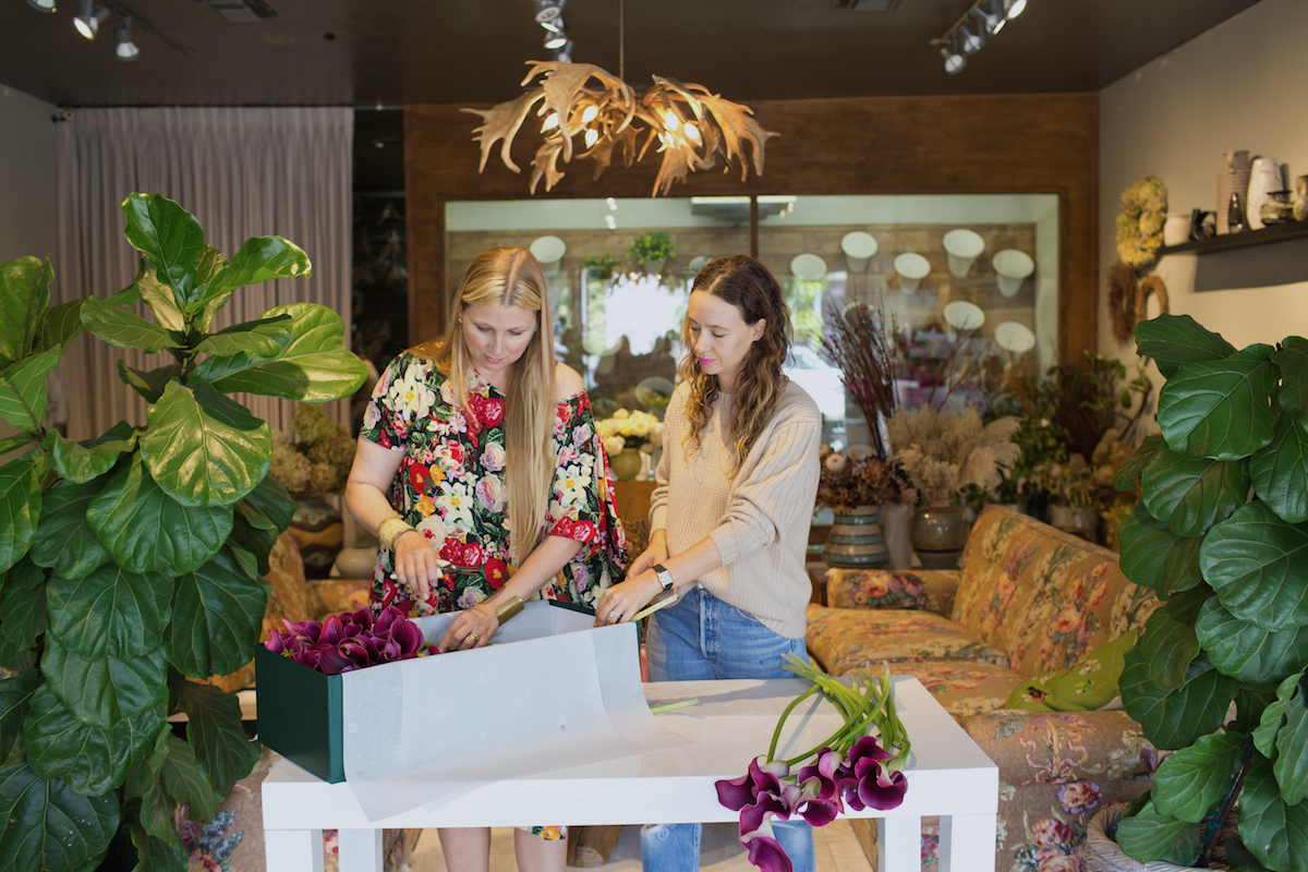 Floral Arrangements with Lily Lodge: Calla Lilies In A Box 4