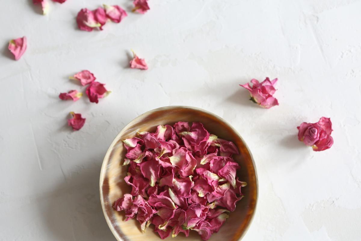 A Refreshing Recipe: Iced Rose Green Tea 3