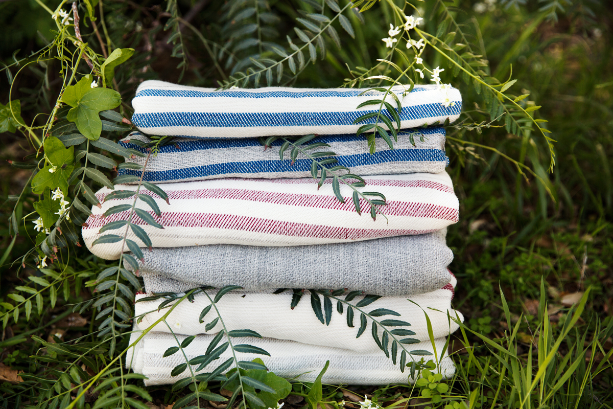Home Textiles: Swans Island Throw Blankets