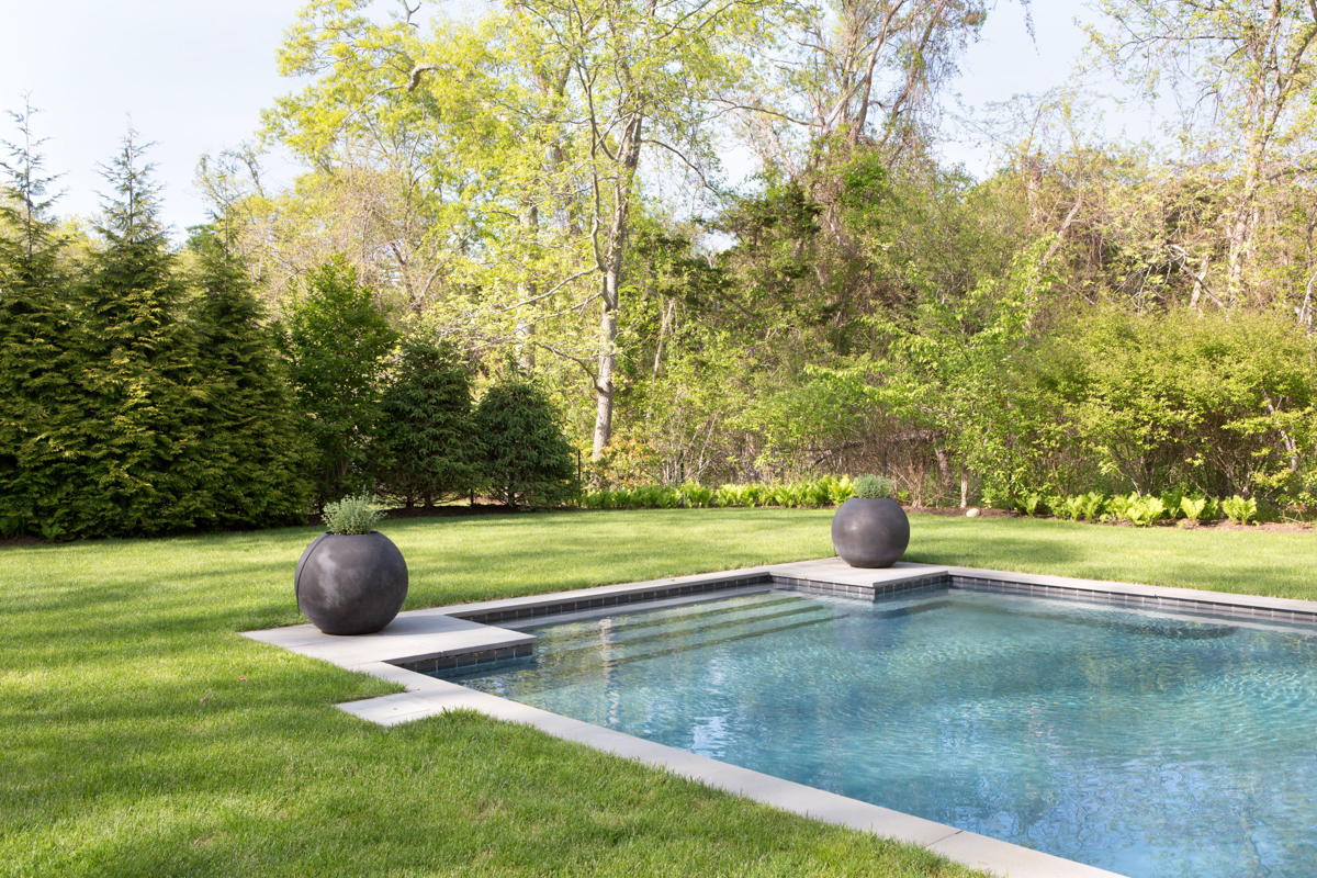 Inside Athena Calderone's Bright Hamptons Home 14