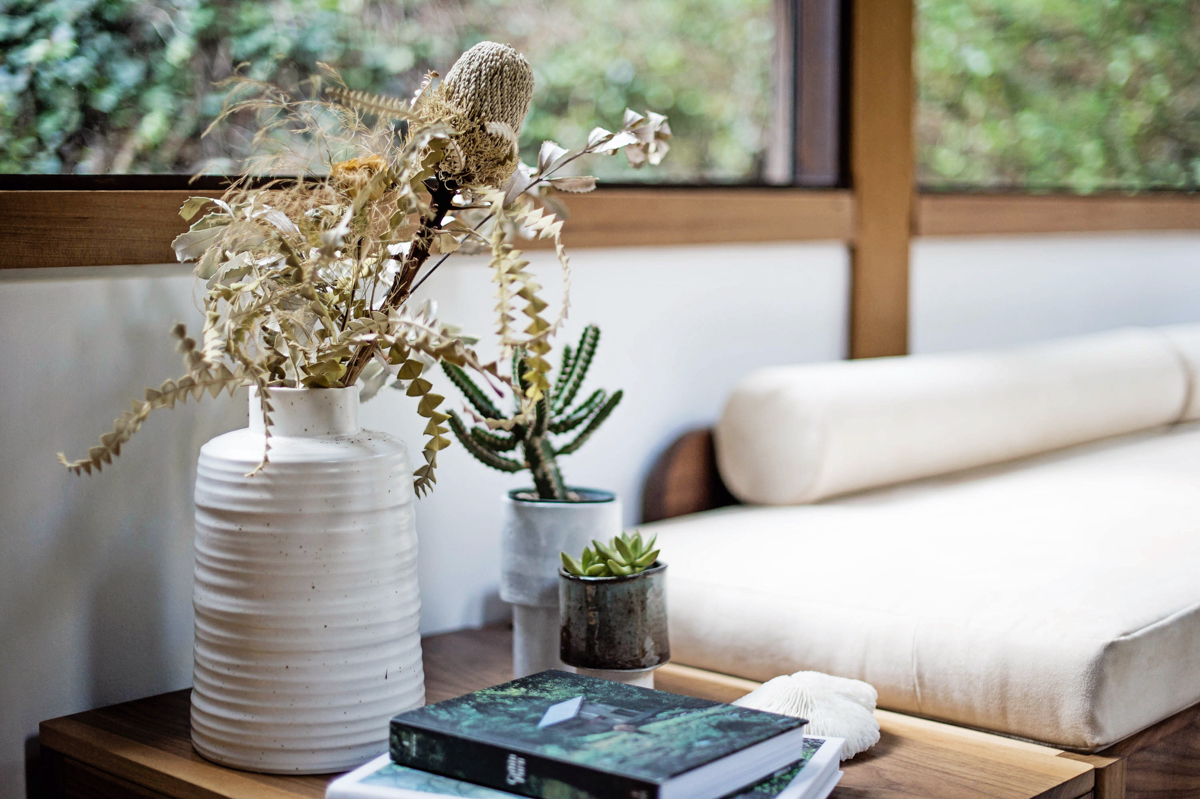 A Tour of Stylist Lisa Moir's Minimalist Mill Valley Home 12