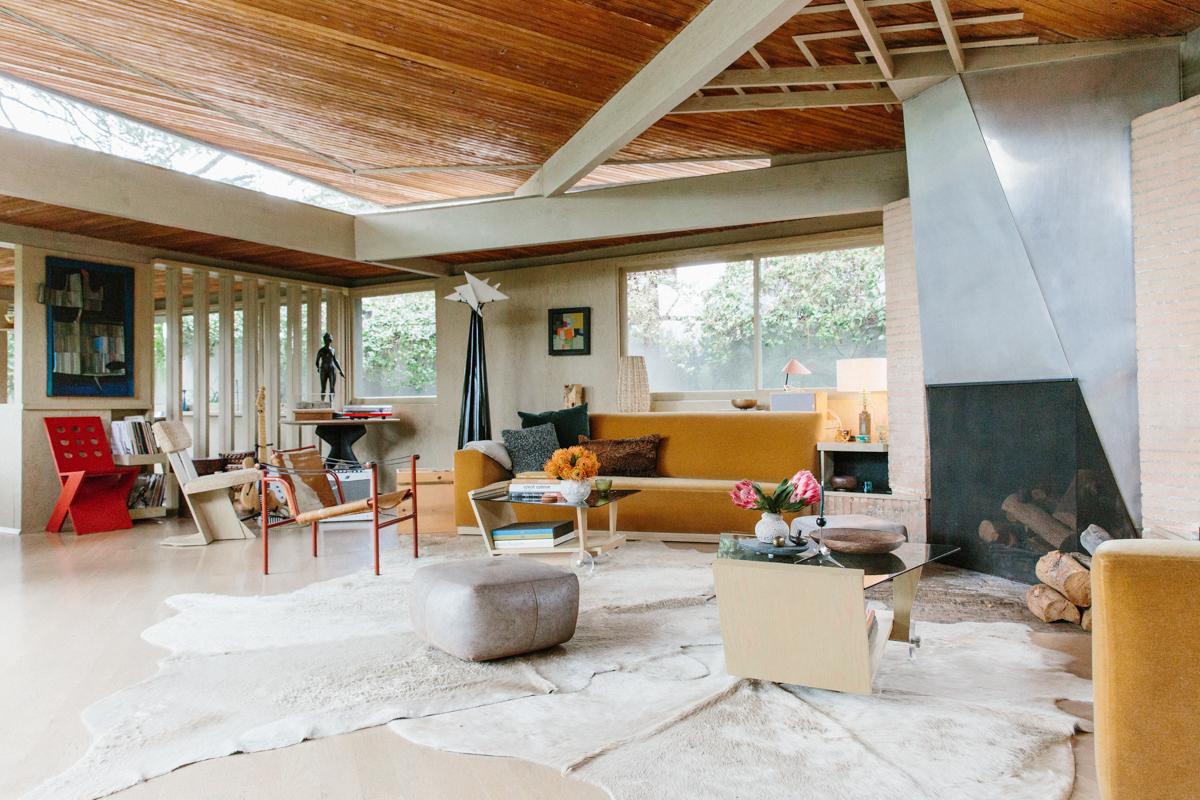 Inside Pamela Shamshiri's Rudolph Schindler-Designed Home 3