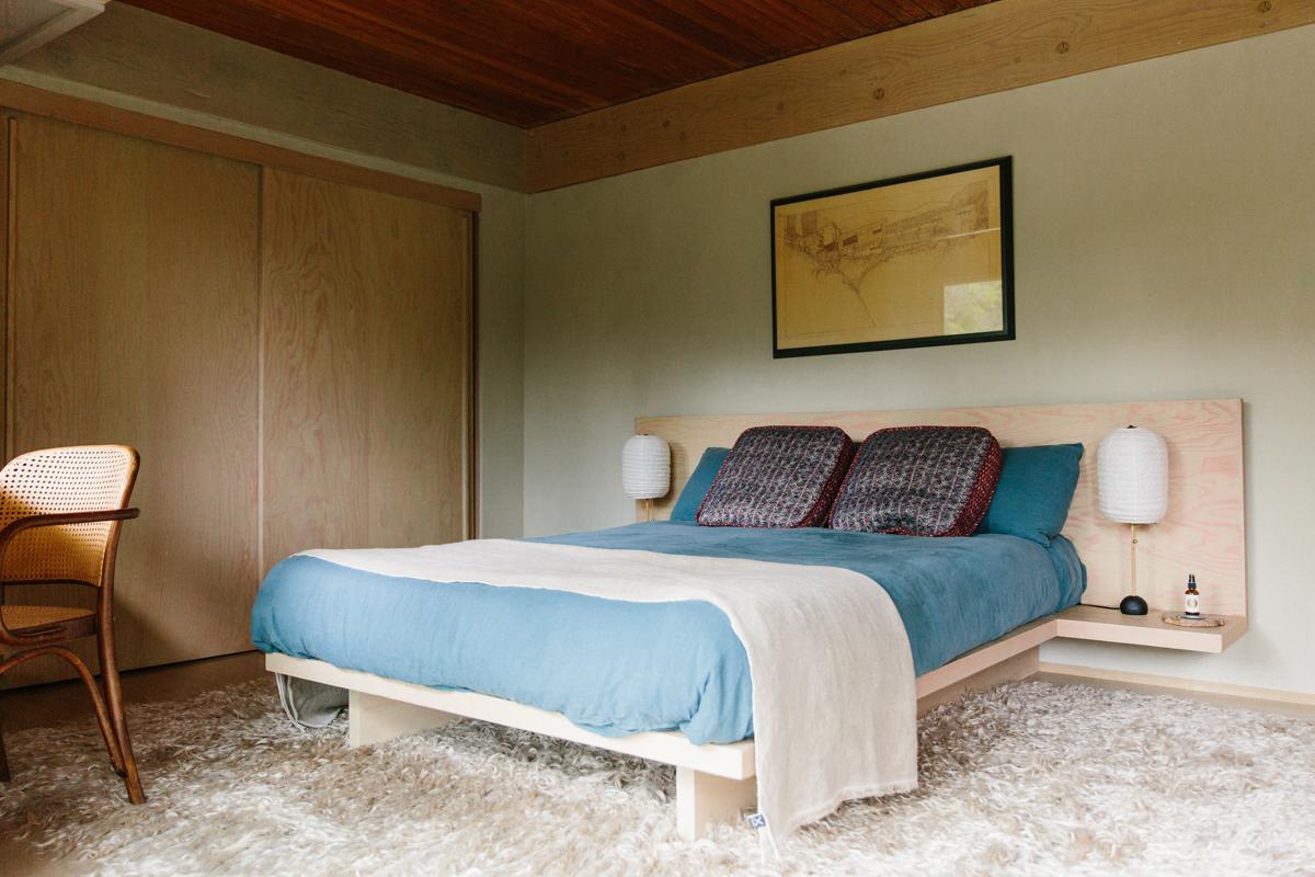 Inside Pamela Shamshiri's Rudolph Schindler-Designed Home 9