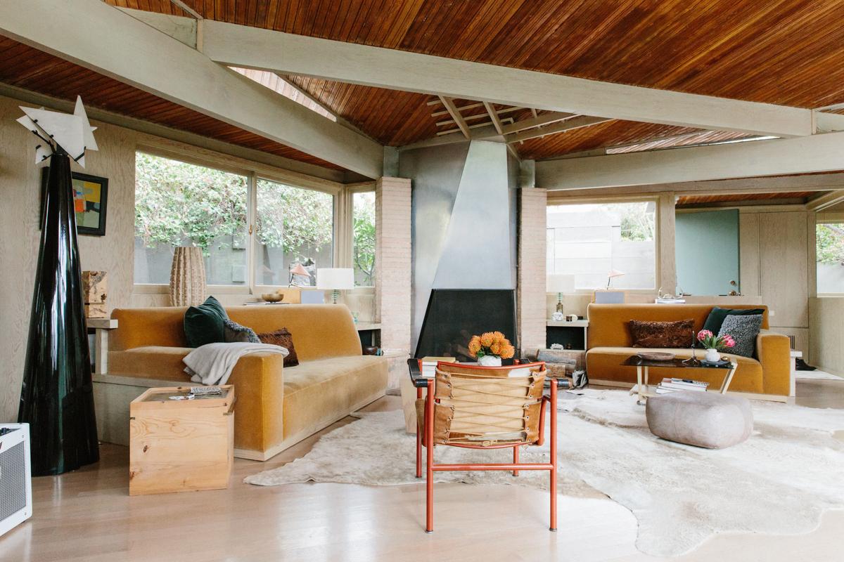 Inside Pamela Shamshiri's Rudolph Schindler-Designed Home 15