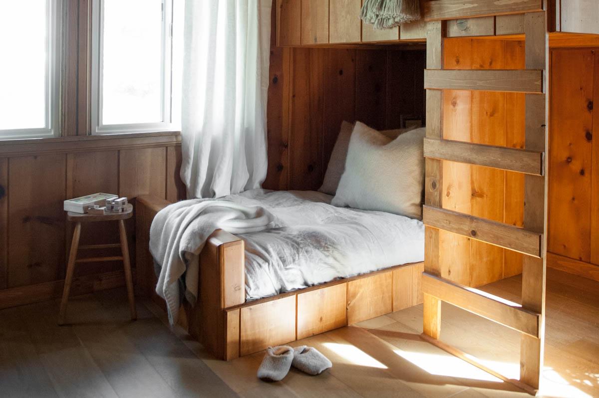 Inside Leanne Citrone's Cozy Arrowhead Cabin 0