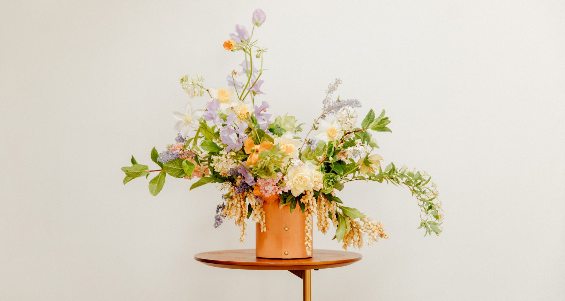 How to Create a Standout Spring Floral Arrangement at Home